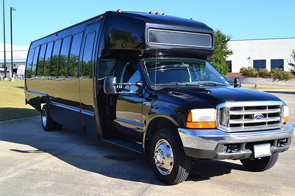 18 Passenger party bus Saint Paul Minnesota