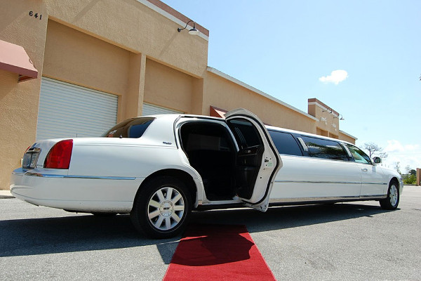 lincoln stretch limo Saint Paul Minnesota